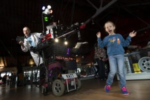 Martin Thompson with the 8-Foot-Robot-Cat at the Swansea Science Festival 2018