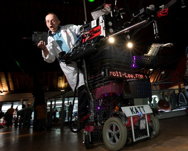 8-Foot-Robot-Cat and Martin Thompson at Swansea Science Festival 2018 in National Waterfront Museum
